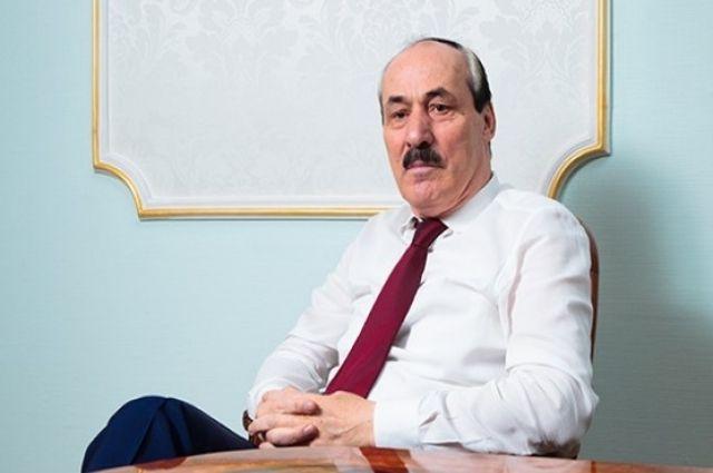 Рамазана Абдулатипова планируют допросить по«гаражному делу»— Лимузин преткновения