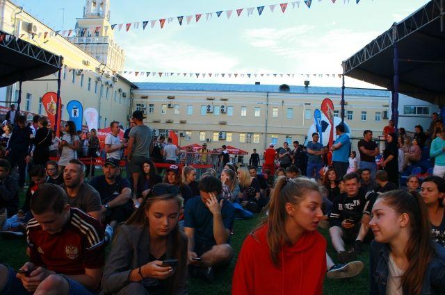 13:45 11/07/2018  0 23  Кубок Харламова выставят в футбольной фан-зоне в Ярославле    Мероприятие пройдет в воскресенье 15 июля
