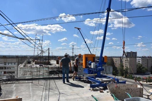 В Оренбурге капитальный ремонт крыши дома №70 на ул.Чкалова находится под угрозой срыва.
