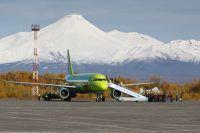 Перелёт из Петропавловска-Камчатского в Москву по обычным тарифам - туда-обратно 90 тыс. руб.