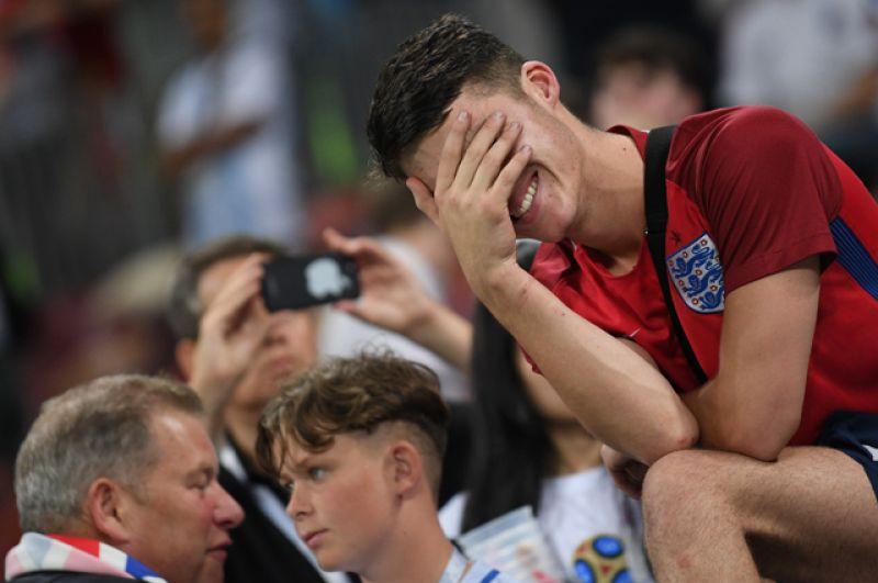 Болельщики сборной Англии после полуфинального матча на стадионе «Лужники».