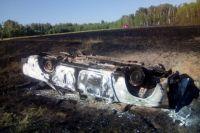 После ДТП в Кваркенском районе автомобиль полностью выгорел.