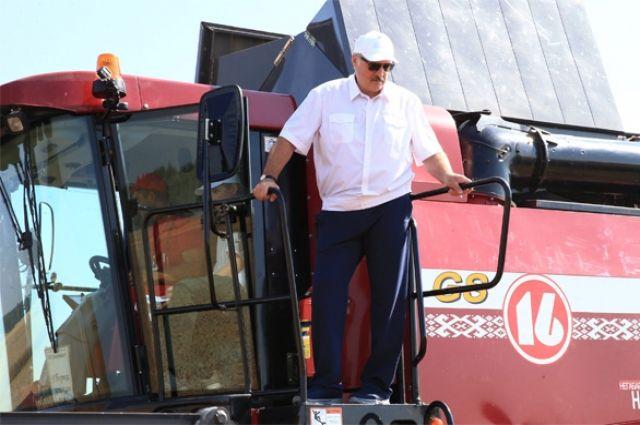 «Насчётах будешь считать»: Лукашенко предложил «Мисс Беларусь» поработать вколхозе