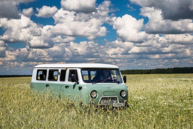 Наавтомобильном заводе УАЗ выпустили юбилейную «Буханку»