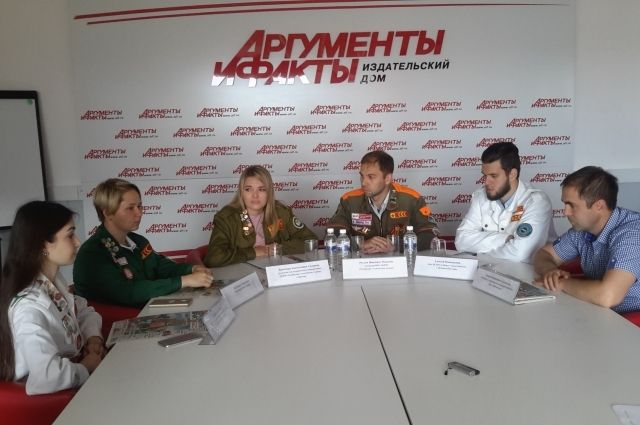 Опытные бойцы и новички медицинского студотряда «Сибирь» поделились впечатлениями о работе.