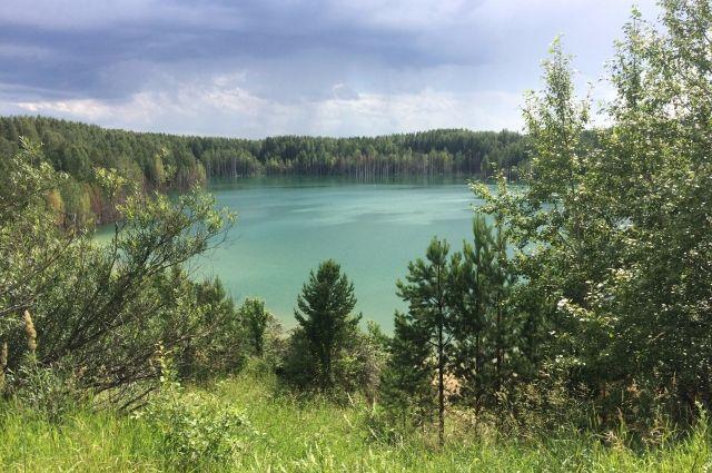 Судя по запросам в Интернете, озеро Апрелька - легендарное. И оно ждёт своих исследователей.