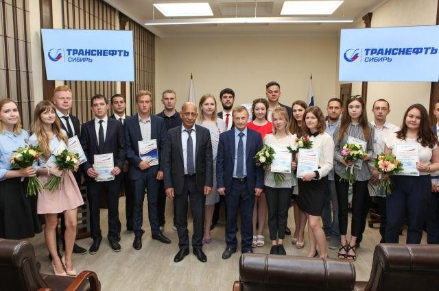 Выпускники ТИУ получили направления на трудоустройство в «Транснефть»
