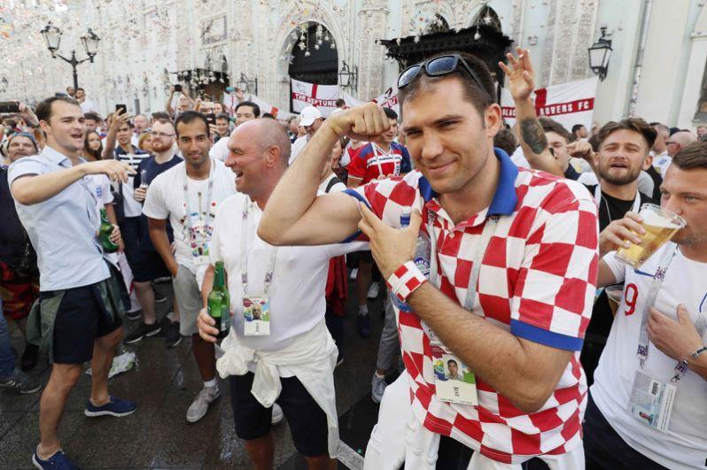 Болельщик сборной Хорватии на Никольской улице в Москве.