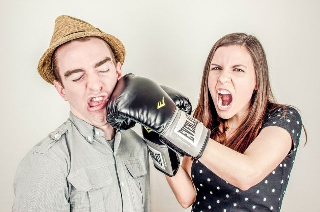 Почти всегда неприятный спор можно закончить одной остроумной фразой.