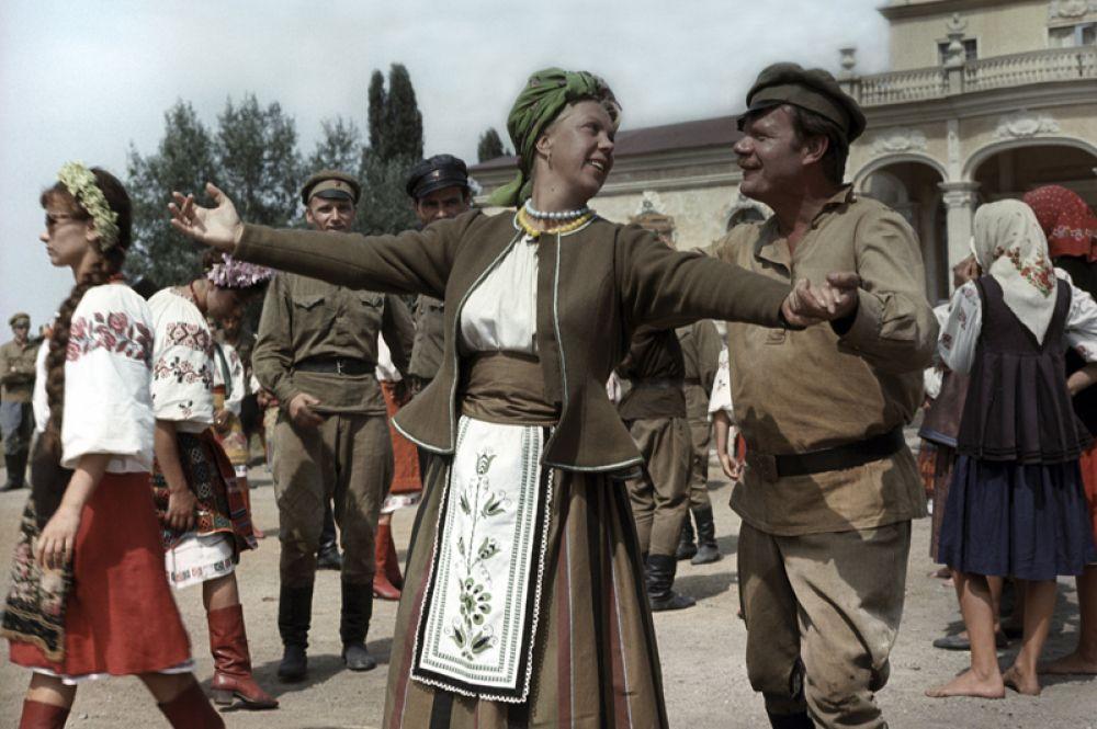 «Свадьба в Малиновке» (1967) — Яшка-артиллерист.