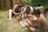 Во время эксперимента по проверке технологий каменного века ростовчане трудились с пяти часов утра до конца светового дня.