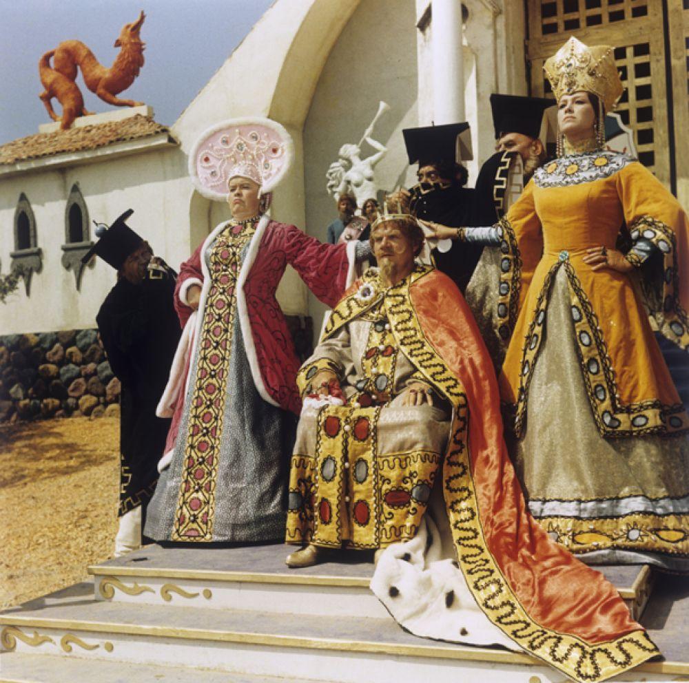 «Варвара-краса, длинная коса» (1969) — царь Еремей.