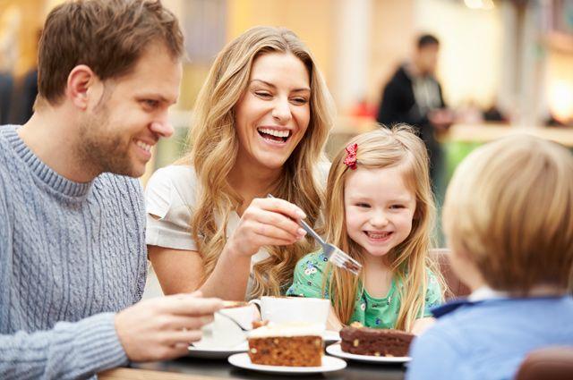 Приятный бонус: 9 московских кафе, где детей накормят бесплатно