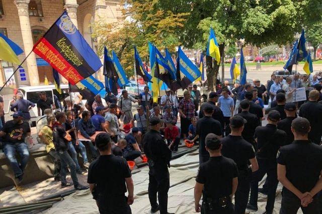 Насалик окружил себя кордоном полиции от забастовки горняков, - Волынец