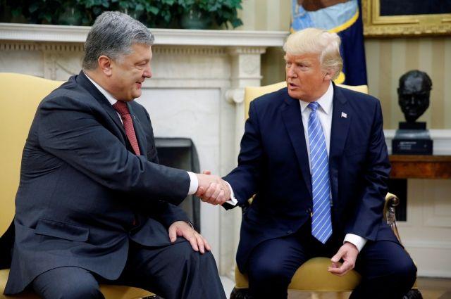 Порошенко раскрыл подробности беседы с Трампом на саммите НАТО