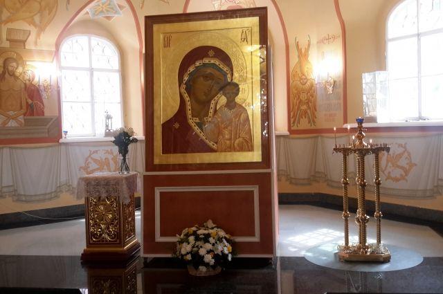 Казанскую Икону Божьей Матери написали иркутские художники.
