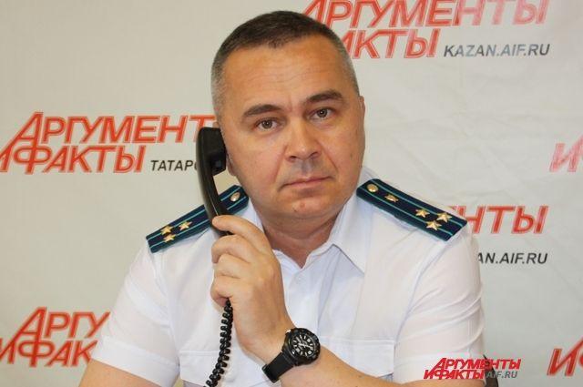 Олег Даминов ответил на вопросы и пригласил некоторых позвонивших к себе на прием.