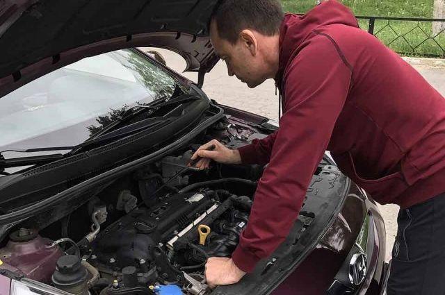 При осмотре машины, которую вы хотите купить, будьте внимательны к любым деталям.