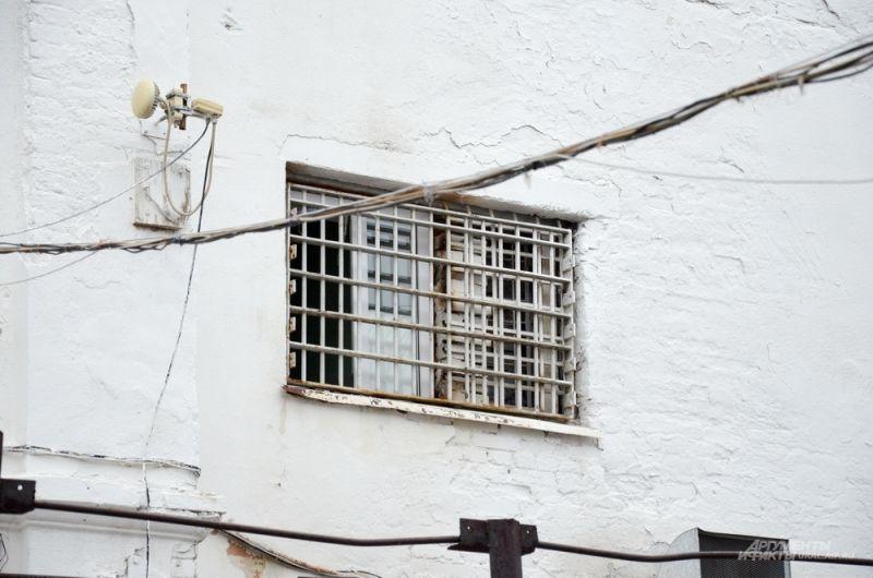 Новый тюремный замок был необходим для предотвращения роста преступности на Урале, а также в связи с активизацией движения по Сибирскому тракту - главной транспортной артерии России.