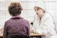 Привычные для горожан визиты в поликлинику на селе заменяют «поездами здоровья» и другими десантами специалистов.
