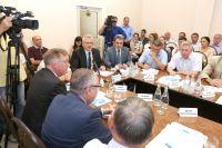 Глава региона оценил современное телекоммуникационное оборудование.