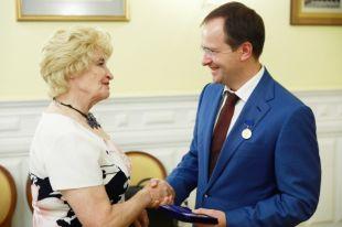 Мединскому вручили премию им. Валентина Пикуля за книгу «Стена»