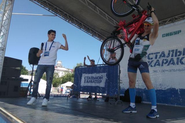 Среди участников тюменского «Стального характера» разыграли велосипед