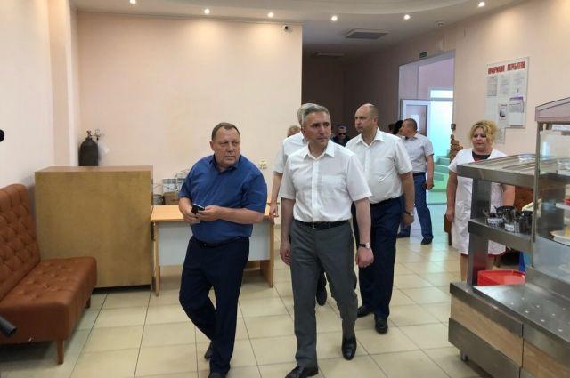 Моор оценил ход строительства придорожного комплекса в Абатском районе