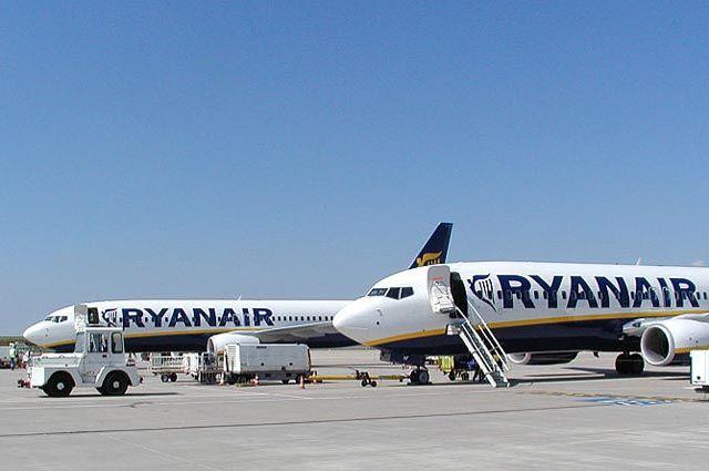 Неменее  30 пассажиров Ryanair пострадали из-за падения давления всалоне самолёта