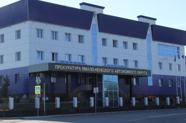 В Муравленко лужу откачали после вмешательства прокуратуры