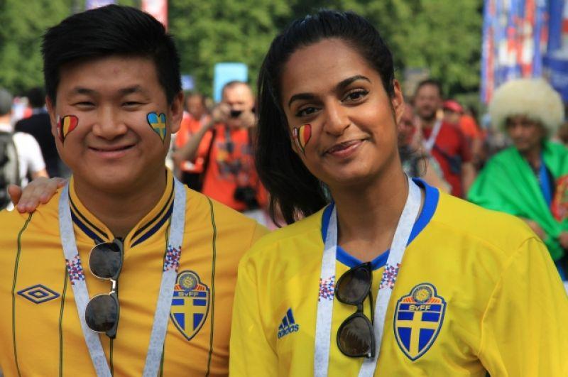 Шведские болельщики поддержали бельгийцев.