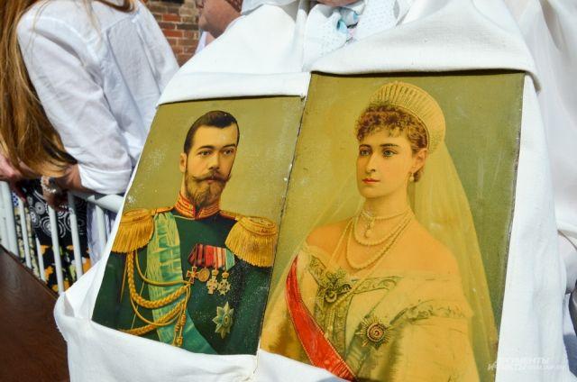 Патриарх Кирилл освятил храм наместе погибели Романовых