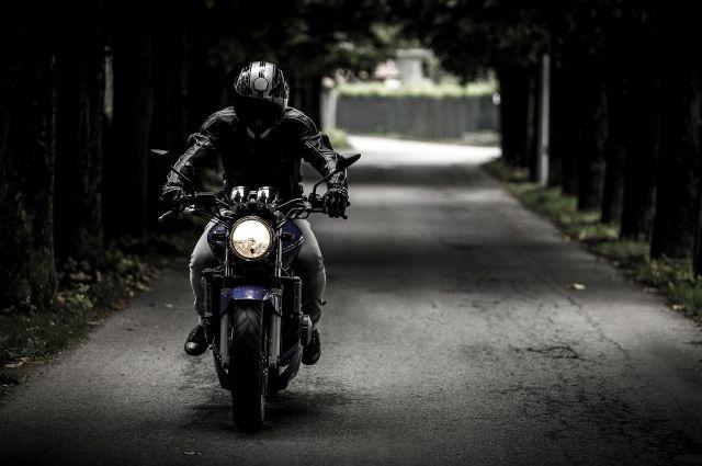 В Центральном районе Кемерова запрещено ездить на мотоциклах в темное время суток.