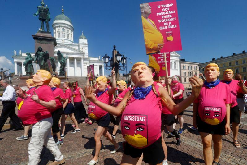 Митинг в поддержку репродуктивных прав женщин в Хельсинки.