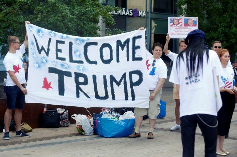 Мероприятие под лозунгом «Добро пожаловать Трамп» организовали члены молодёжного крыла партии «Истинные финны». В нем приняли участие всего 50 человек.
