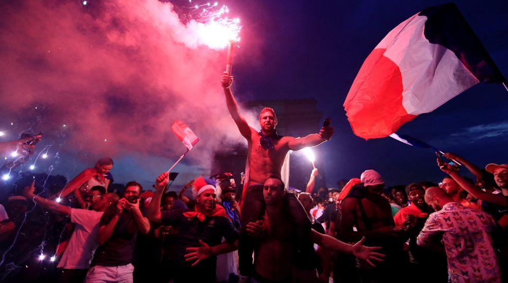 В воскресенье, 15 июля, окончился Чемпионат мира по футболу-2018, который стал для французов еще одним поводом для праздника.