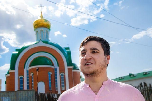 Литературовед Дмитрий Богач уверен, что духовные скрепы - в произведениях Достоевского и православие спасет Россию.