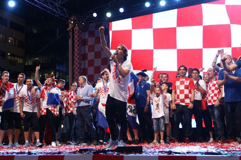 Полузащитник сборной Хорватии Лука Модрич, признанный организаторами чемпионата мира в России лучшим игроком турнира. 32-летний футболист стал обладателем «Золотого мяча».