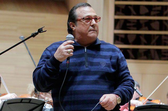 Итальянский певец Робертино Лоретти на репетиции перед началом концерта в Московском Доме Музыки.