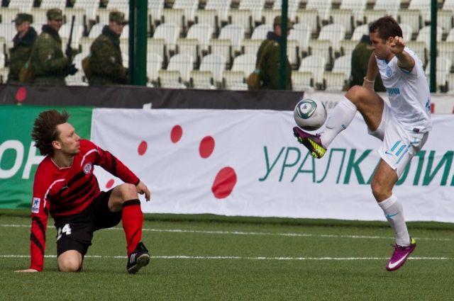 Алексей Попов против Александра Кержакова в полуфинале Кубка России (апрель 2010 года).