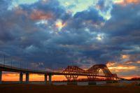 Мост «Красный дракон» в Ханты-Мансийске – это настоящие ворота в город.