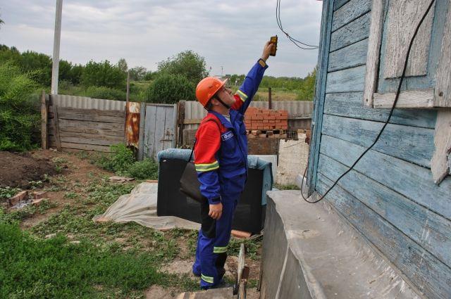 Во время рейда оренбургские энергетики обнаружили устаревшие приборы учета.