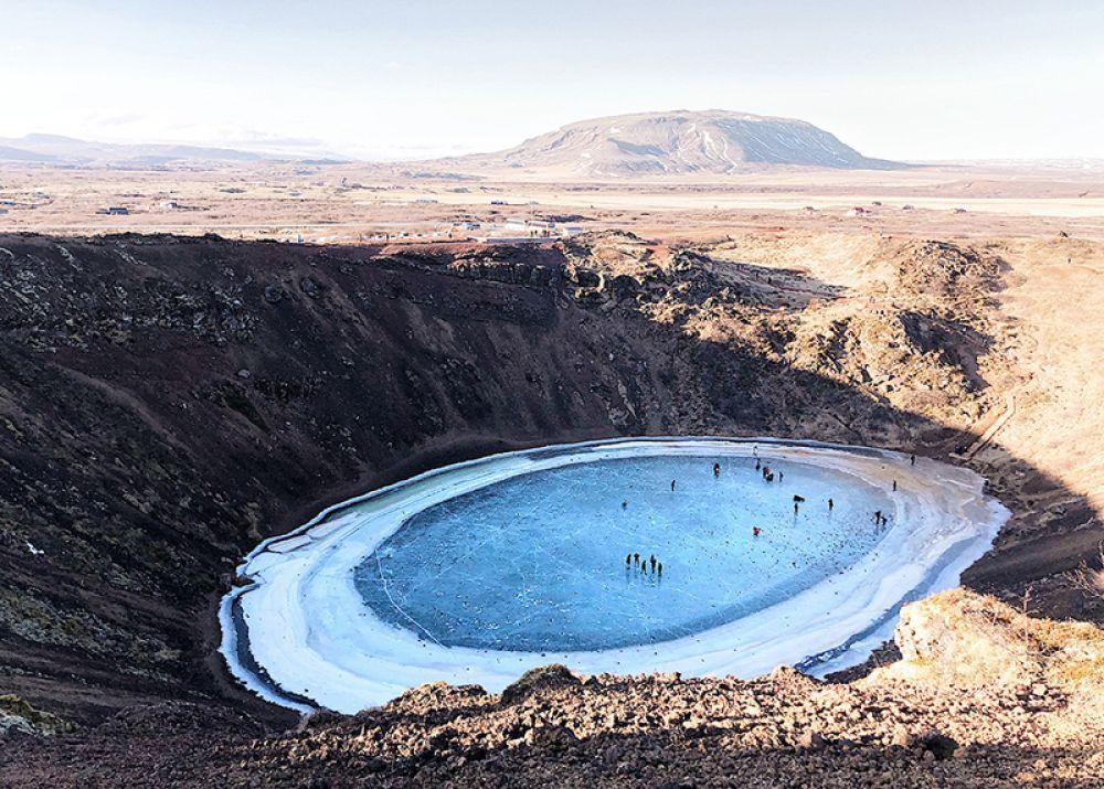 Наян Фэн, Китай. 3-е место в категории «Пейзаж». Озеро в кратере потухшего вулкана Керид на юге Исландии. Снято на iPhone X.