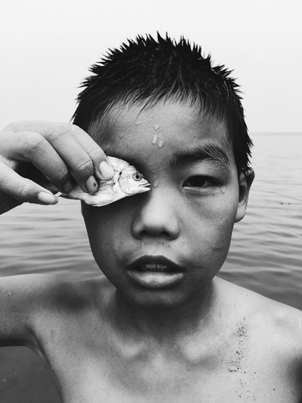 Ху А Пэн Чжао, Китай. 2-е место, фотограф года. С глазу на глаз. Снято на iPhone 6.
