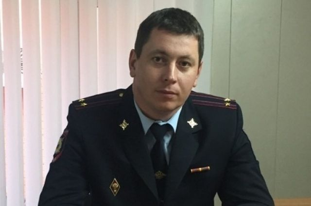 Под Оренбургом подполковник полиции спас утопающего мальчика.