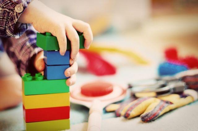 В Оренбурге началось строительство двух новых детсадов.