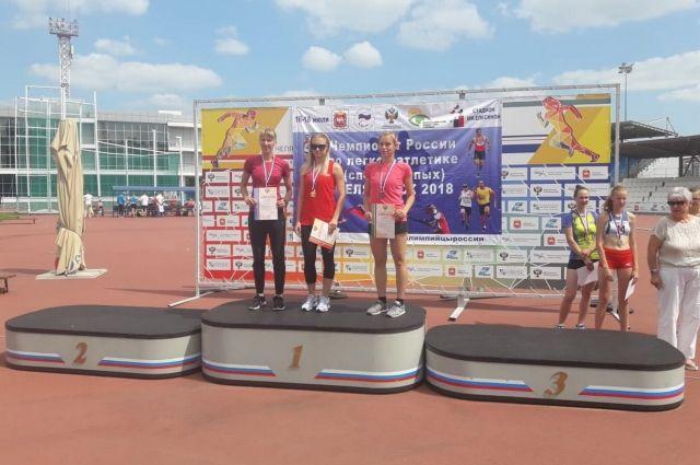 Екатерина Кузнецова (на фото справа) заняла 3 место.