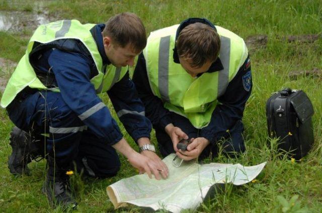Спасатели по карте определяют местоположение пропавших