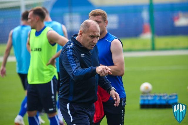 Теперь, когда вся Россия любит футбол, Дмитрий Черышев должен вывести клуб «Нижний Новгород» в премьер-лигу за пару лет.