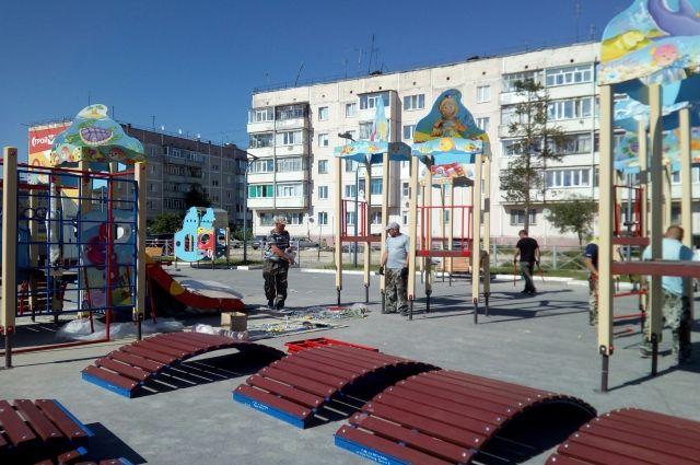 В Ноябрьске родителей просят не пускать детей на новую площадку